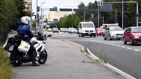 Nuorten törkeät liikenneturvallisuuden vaarantamiset ovat kasvussa, mutta traagisiin kuolonkolareihin päädytään yhä harvemmin.