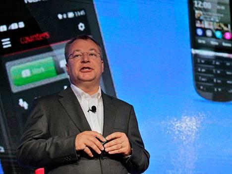 Toimitusjohtaja Stephen Elop esitteli Lumia 920:n syyskuussa 2012.