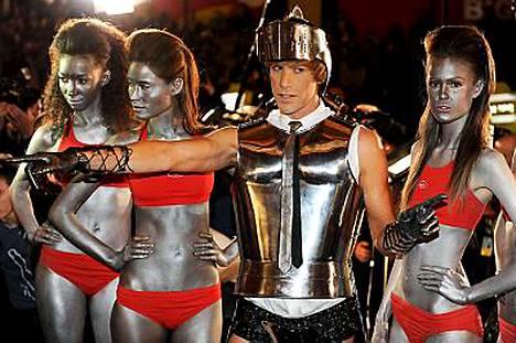 Sacha Baron Cohenin esittämä Brüno toivoi elokuvansa leviävän kuin herpes.
