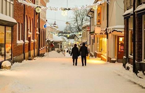 Tammisaaren joulumarkkinat levittäytyvät myös Suomen vanhimmalle kävelykadulle Kuninkaankadulle.
