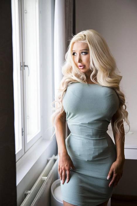 Amanda Ahola tiesi jo hyvin nuorena, että haluaa omistautua elämässään vartalonsa muokkaamiselle.