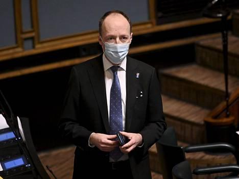 Perussuomalaisten puheenjohtajan Jussi Halla-ahon mukaan keskustelua tilanteen tarkkailemisesta ja Ruotsin tekemien virheiden välttämisestä on käyty vuosikymmeniä.