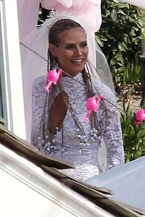 Tältä näytti neljännen kerran vihkivalansa uusinut Heidi Klum.