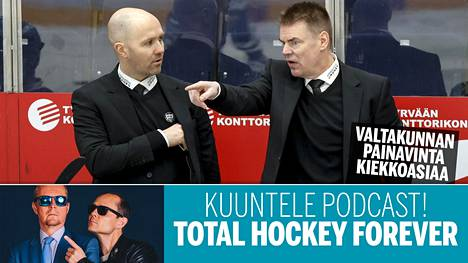 """Raimo """"Raipe"""" Helminen (oik.) johdatti TPS:n liigafinaaliin ennakkosuosikki Lukkoa vastaan. Vierellä apuvalmentaja Kimmo Rintanen."""