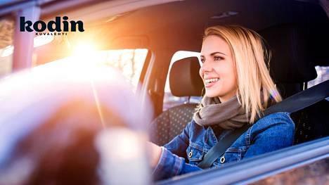 Muista aurinkosuoja myös automatkoilla, sillä ikkunalasi ei pysäytä auringon haitallisia säteitä.