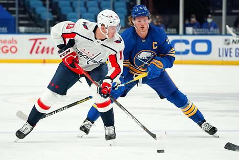 Jakub Vrana onnistui maalinteossa viikon molemmissa voitto-otteluissa Buffaloa vastaan.