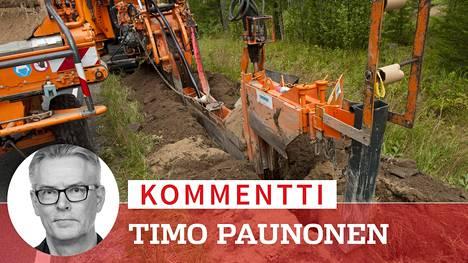 Tien sisäluiskaan vedettiin säävarmaa sähköverkkoa maakaapelina Mänttä-Vilppulassa elokuussa 2012.