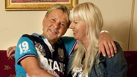 Heinäkuussa Matti ja Pia kuvattiin iloisina Imatran Valtionhotellissa.