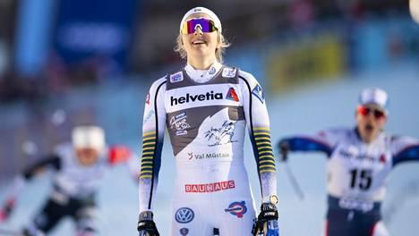 """Hiihdon ylivoimainen ruotsalaistähti loukkaantui dramaattisesti – """"varma"""" MM-kulta uhattuna?"""