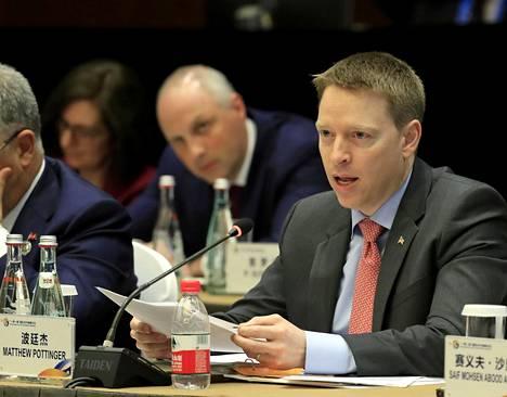 Matt Pottingerin kerrotaan pohtineen eroa jo aiemmin, mutta päättäneen jäädä tehtäväänsä esimiehensä pyynnöstä. Nyt mitta tuli täyteen.