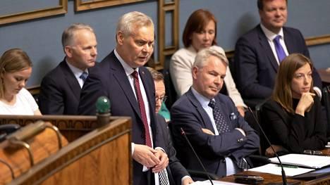 Hallitus vakuutti, enimmäkseen pääministeri Antti Rinteen suulla, ettei se aio ryhtyä suuriin palautustoimenpiteisiin.