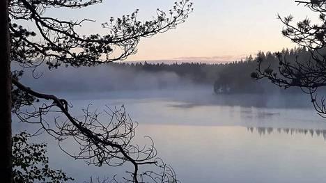 Sumua Kuusamon Kuopunkijärvellä.