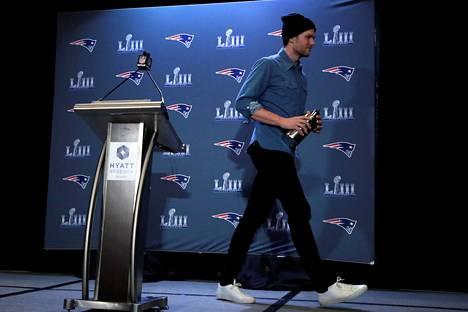 Kuusinkertainen Super Bowl -mestari Tom Brady muutti perheineen Floridaan maaliskuussa. Uusissa ympyröissä on vielä totuttelemista.