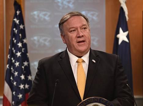 Ulkoministeri Mike Pompeo kertoi Yhdysvaltojen vetäytyvän ohjussopimuksesta perjantaina.