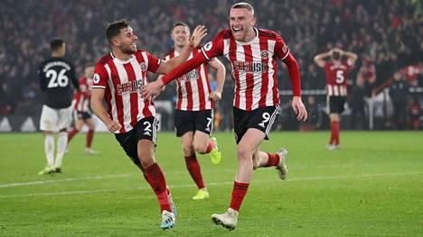 Sheffield United nousi Oli McBurnien lisäaikaosumalla tasapeliin Manchester Unitedia vastaan.