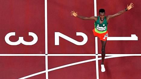 Selemon Barega juoksi maaliin olympiavoittajana.