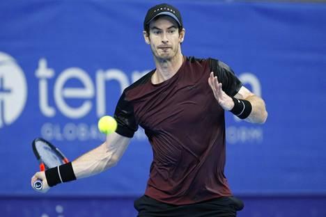 Murray palasi voittajaksi myös kaksinpelissä.