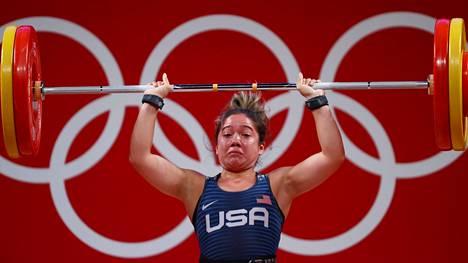 Yhdysvaltain Jourdan Delacruz ei onnistunut painonnostossa naisten 49 kilon sarjassa. Kukaan muukaan Yhdysvaltain edustaja ei saavuttanut Tokion kisojen avauspäivänä mitalia.