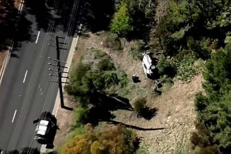Woodsin auto liikkui useita kymmeniä metrejä törmäyksen jälkeen.