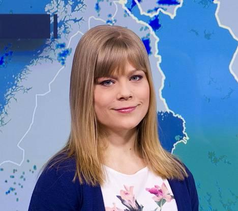 Elina Lopperi ennustaa Ylellä.