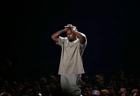 Kanye West asuu tällä hetkellä Mercedes-Benz-stadionilla.