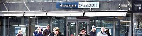 Sampo Pankin tietotekniset vaikeudet uhkaavat katkaista kymmenien vuosien pankkisuhteita.