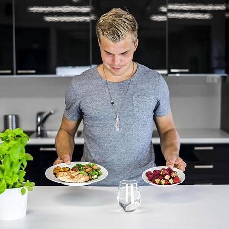 Omalle itselle toimivinta lautasmallia kannattaa kokeilla, valmentaja Joosua Visuri sanoo.
