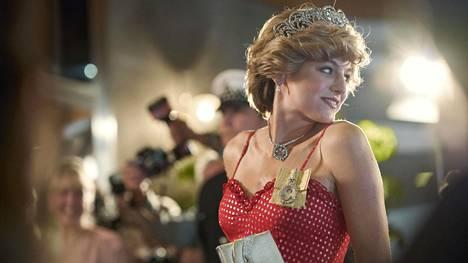 Emma Corrin näyttelee lady Diana Spenceriä The Crownin neljännellä kaudella.