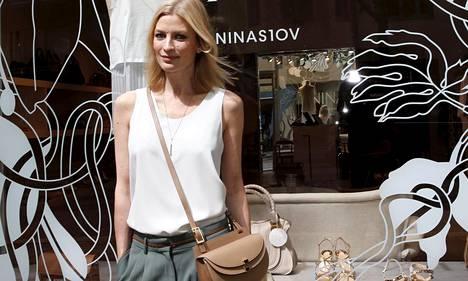 Niina Kurkinen on yksi Suomen kaikkien aikojen menestyneimpiä malleja. Nykyään hän toimii vaatealan yrittäjänä.
