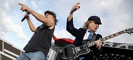 AC/DC ei esiinny Italiassa ensi kesänä.