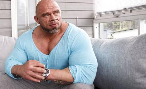 Bullin kanssa ei kannata mieliä kädenvääntöön, koska moinen voimien mittelö ei tule toteutumaan.