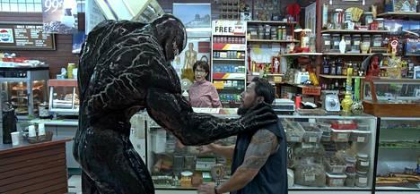 Synkkä Venom-hahmo suuntaa aggressionsa muun muassa myymälävarkaisiin.