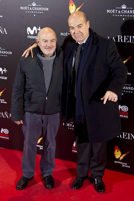 Jésus Bonilla kuvattuna Antonio Resinesin kanssa. Miehet esittivät sarjassa veljeksiä Santiagoa ja Diegoa.
