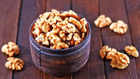 Omega-6-rasvahappoja on paljon muun muassa pähkinöissä.