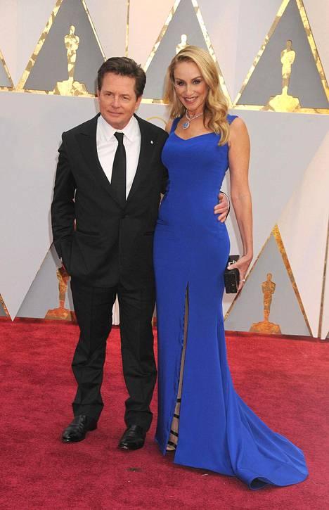 Fox on ollut naimisissa näyttelijä Tracy Pollanin kanssa vuodesta 1988.