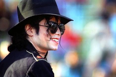 Michael Jackson tunnettiin popin kuninkaana.