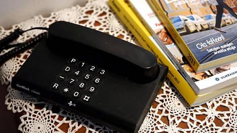 Lankapuhelinten määrä on vähentynyt ripeää tahtia vuosi vuodelta.