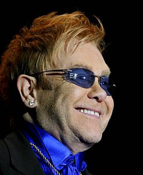 Laulajalegenda Elton John tuo Suomeen hittikimarakonserttinsa.