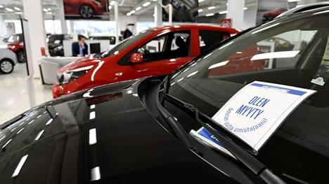 Tutkimuksen mukaan oma auto kiinnostaa yhä useampaa kansalaista.