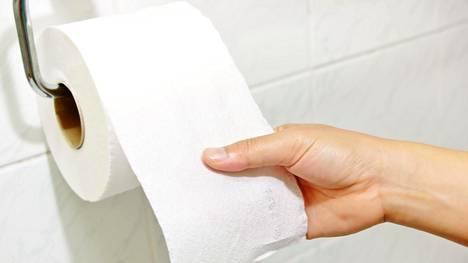Miten päin vessapaperirulla pitäisi asetella telineeseen?