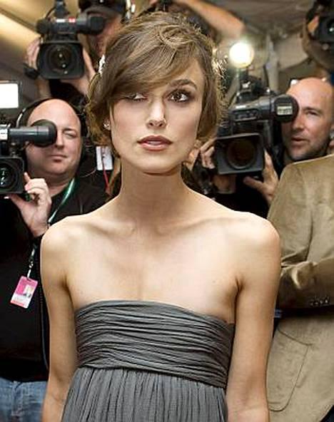 Keira Knightley näytti entistäkin laihemmalta The Duchess -elokuvan ensi-illassa viikonloppuna.