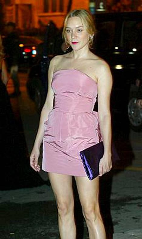 Tyyli-ikoni Chloe Sevigny näyttäytyi Pradan juhlissa huhtikuussa.