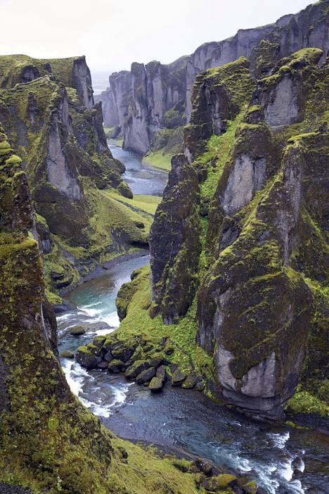 Fjaðrárgljúfur on kasvattanut suosiotaan turistikohteena räjähdysmäisesti viime vuosina.