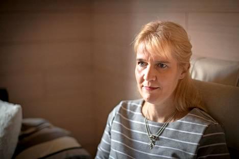 """Asta Salmisen tytär voimisteli ja sairastui Mineteissä 2011–2012. """"Sitä miettii, mitä ne tytöt ovat joutuneet kokemaan, hän sanoo joukkueen myöhemmästä menestyksestä."""""""