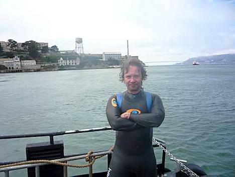 Eppu Salminen ui kuuluisan matkan Alcatrazin vankilasaarelta San Franciscoon tiistaina iltapäivällä.