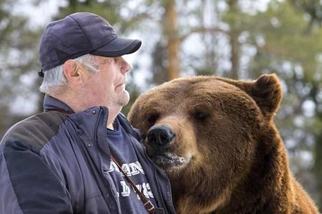 Sulo Karjalainen ja Juuso-karhu tunnetaan myös Suomen ulkopuolella.