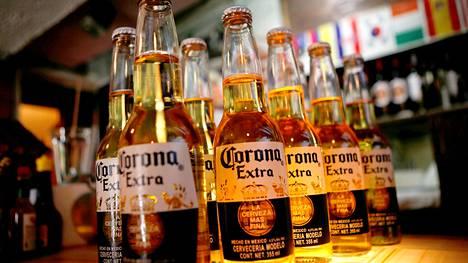 Corona-olut on suosittu janojuoma myös Suomessa.