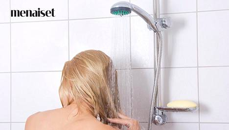 Nyt se on selvillä! Hiustutkija kertoo, millainen pesuväli on paras hiuksille