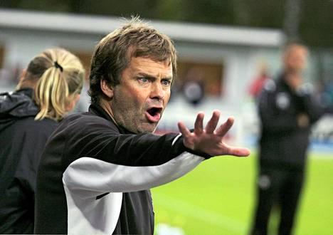 Räiskyvästä persoonasta tunnettu Pasi Rautiainen oli valmentajana läsnä urheilijoilleen.