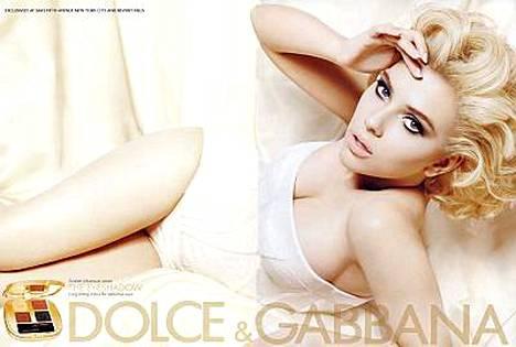 Näyttelijäkaunotar Scarlett Johansson sulostuttaa Dolce Gabbanan kampanjaa.